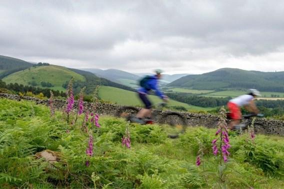 Nieuwe fietsroute van ruim 1.300 kilometer tussen Engeland en Schotland geopend