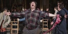 Theateracteurs bekronen elkaar