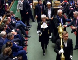 Zo werd het Britse parlement maandag opgeschort