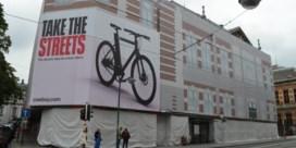 Reclamebanner voor gevel Conservatorium zuivert lucht in centrum van Brussel