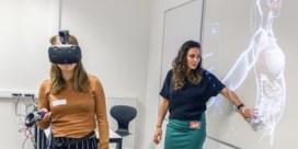 Vroedvrouwen in spe ervaren zwangerschap in virtual reality