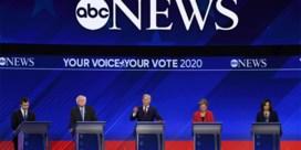 Democratische favoriet Joe Biden in de aanval tijdens levendig televisiedebat