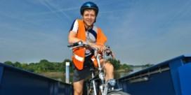 Frank Deboosere hangt fiets 'met spijt in het hart' aan de haak