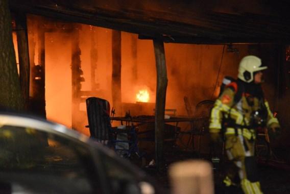 Twee kinderen omgekomen bij brand in Nederland, grootmoeder kan ontsnappen