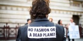 Klimaatactivisten nemen modeweek in het vizier