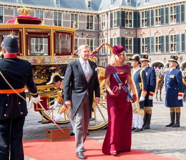 Hoe de baard van Willem-Alexander met alle aandacht ging lopen