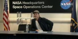 Brad Pitt tegen astronaut in ISS: 'Wie was beter, Clooney of ik?'