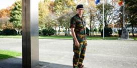 Chef landmacht gaat transitieteam Defensie leiden