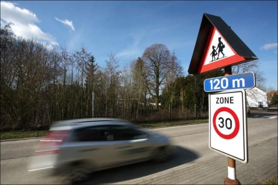 Voetgangersbeweging wil parkeerplaatsen vlak bij scholen afschaffen