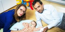 Telefoontjes van ouders baby Pia naar farmareus blijven onbeantwoord: 'Desnoods schrijf ik een brief naar de directeur'