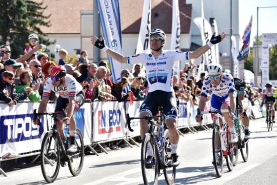 Yves Lampaert en Elia Viviani zorgen in één klap voor zeges nummer 66 en 67 voor Deceuninck-Quick Step