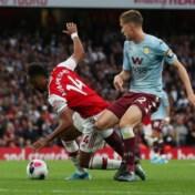 """Arsenal dankt Björn Engels voor spectaculaire comeback tegen Aston Villa, Liverpool klopt Chelsea ondanks """"Hazard-goal"""""""