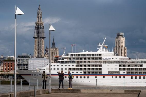 Zeehavens worstelen met vervuiling cruiseschepen