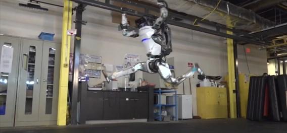 Robot van Boston Dynamics doet acrobatische turnoefeningen