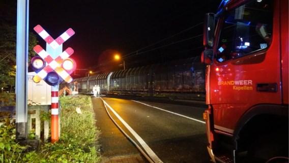 Auto rijdt zich vast op treinsporen: bestuurder had gedronken