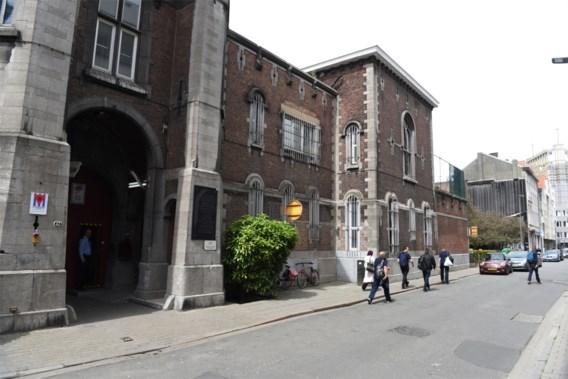 Cipiers Antwerpse gevangenis leggen werk neer
