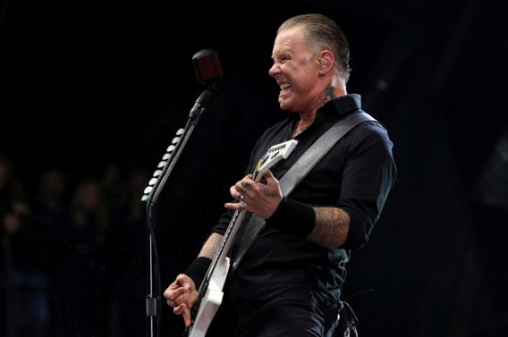 Metallica moet tournee uitstellen door verslaving frontman