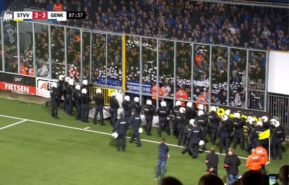 Limburgse derby vroegtijdig gestaakt: Genk-fans dreigden veld te bestormen