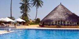 Val Thomas Cook sleurt Gambia mee