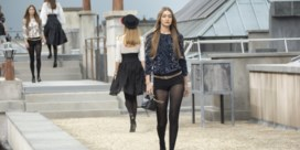 Chanel defileert op de daken van Parijs