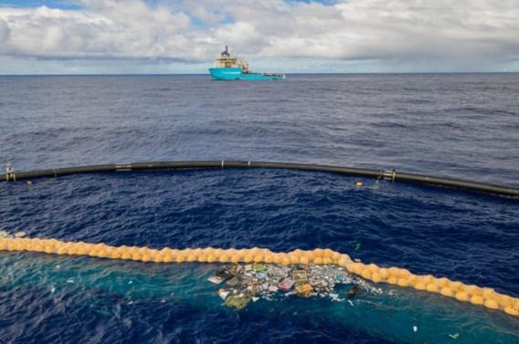 'Verbeterde plasticvanger Ocean Cleanup werkt'