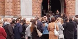 Bomvolle kerk voor afscheid van verongelukte studente: 'We voelen kwaadheid'