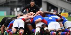 Nieuw-Zeeland overklast Namibië op WK rugby, Frankrijk naar kwartfinales