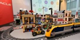 Legoblokjes tonen in Proxima City stad van de toekomst