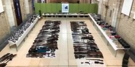 Politie neemt 480illegale wapens in beslag bij bendes