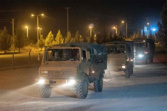 Turkije stuurt meer pantservoertuigen naar grens met Syrië