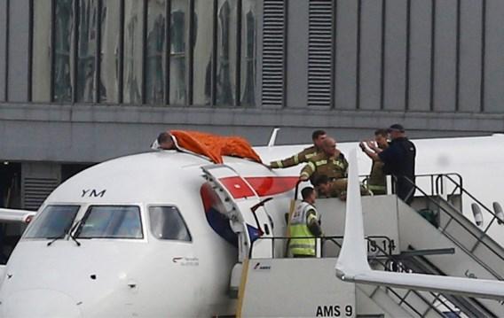 Klimaatactivist klimt op vliegtuig in Londense luchthaven