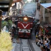 Hanoi sluit cafés in 'treinstraat' door selfietoerisme