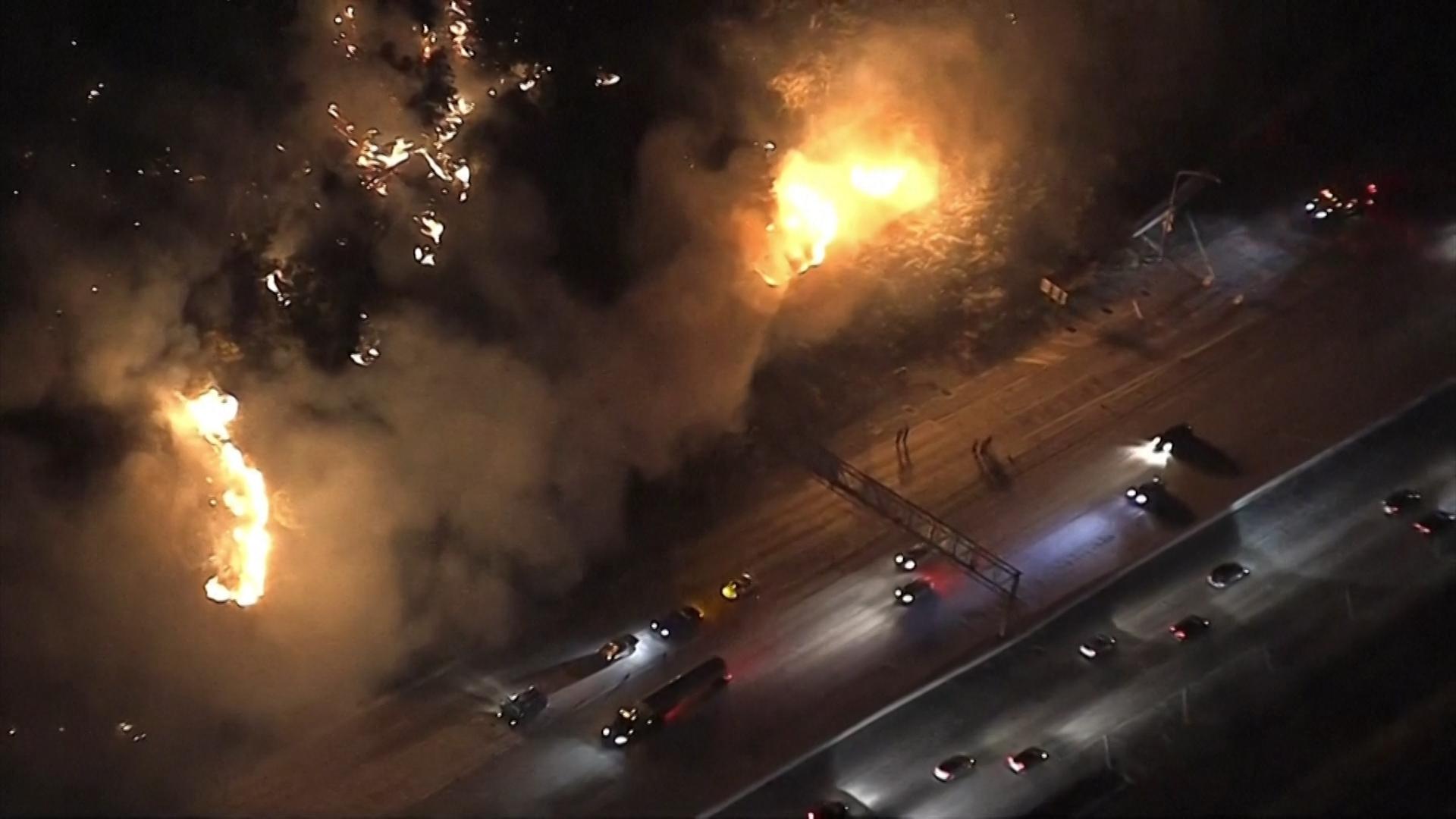 Branden Los Angeles dwingen 100.000 inwoners te vluchten