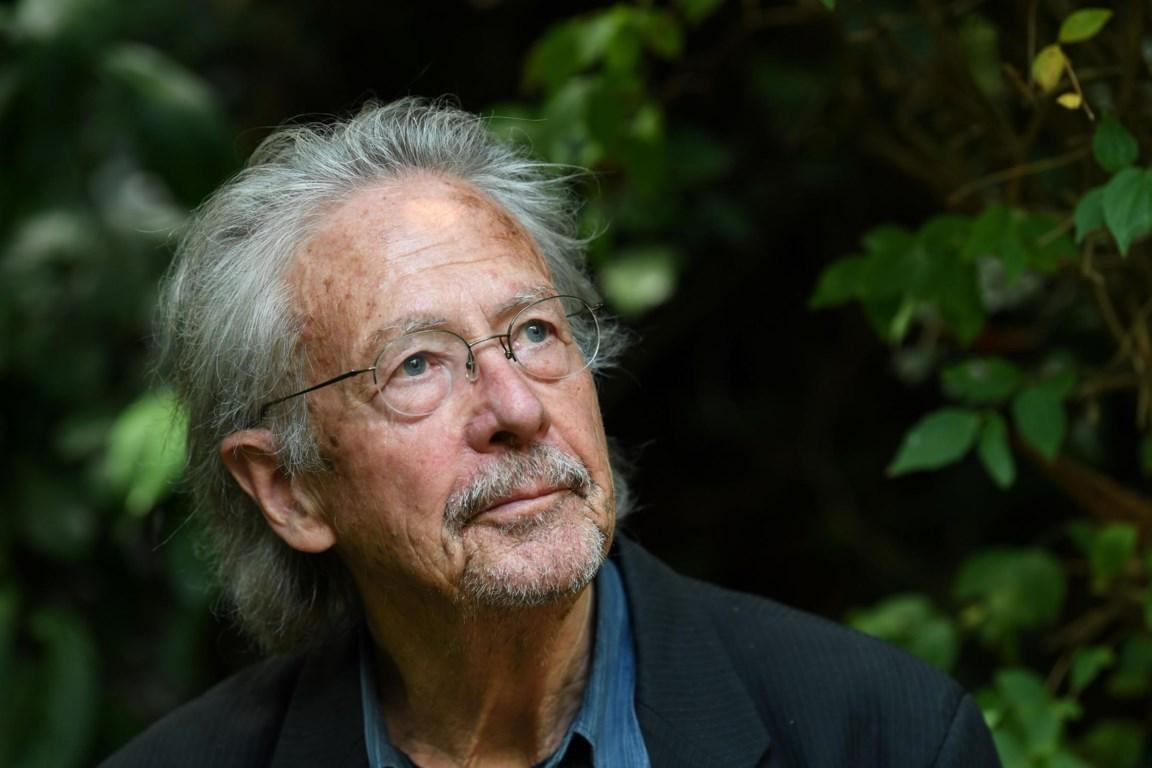 Waarom Nobelprijswinnaar Peter Handke Controverse Oproept
