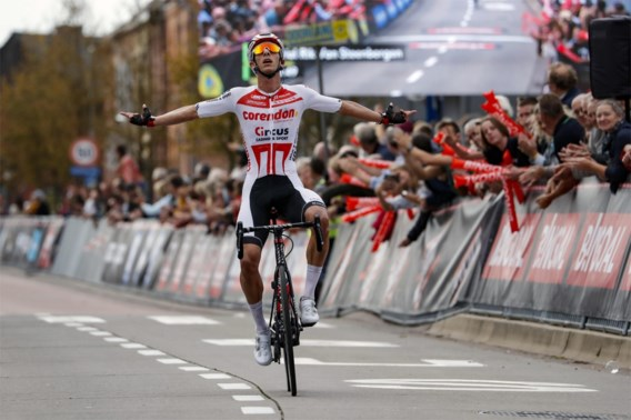 Dries De Bondt rondt sterk ploegwerk van Corendon-Circus af in Memorial Rik Van Steenbergen