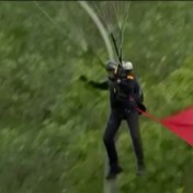 Parachutist botst tegen paal tijdens Spaanse nationale parade