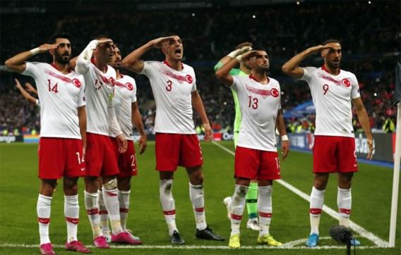 """Turkije niet opgezet met onderzoek naar militaire groet: """"UEFA werkt met twee maten en gewichten"""""""