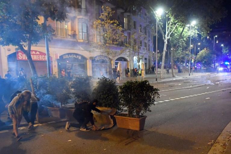 Catalaanse president vraagt  'onmiddellijke' stopzetting van het geweld