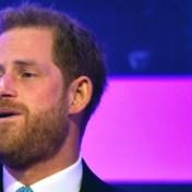 Prins Harry krijgt het moeilijk tijdens speech voor zieke kinderen