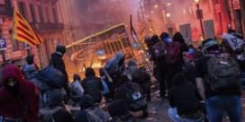 Madrid dreigt met zes jaar cel tegen gewelddadige betogers in Barcelona