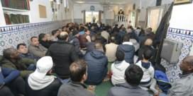 Enige Brugse moskee barst bijna uit haar voegen