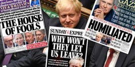 'The house of fools': zo kijken de Britse kranten naar de nieuwe Brexit-uppercut voor Boris Johnson