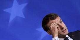 'Macron knijpt ze voor de populisten'