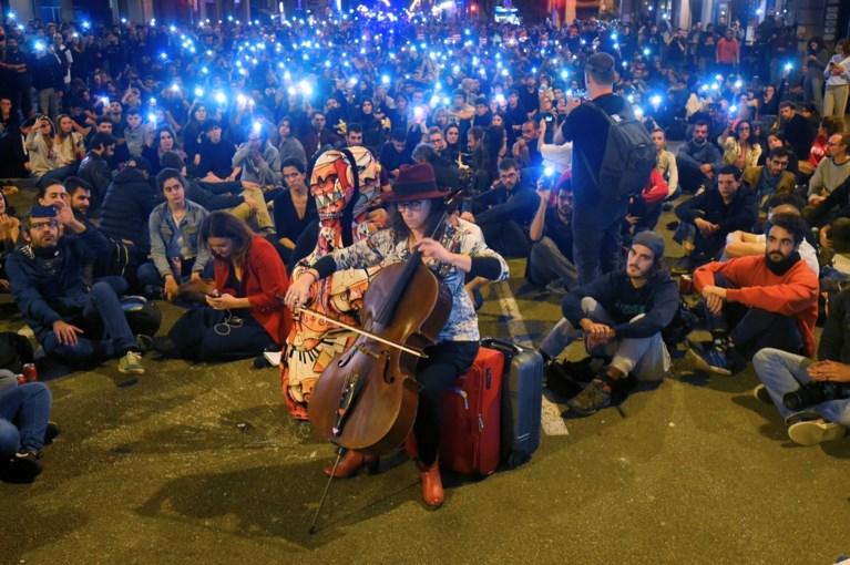 Catalaanse separatisten protesteren voor zevende nacht op rij, ditmaal vreedzaam