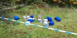 Vaten met drugsafval op meerdere plaatsen in Lommel gedumpt