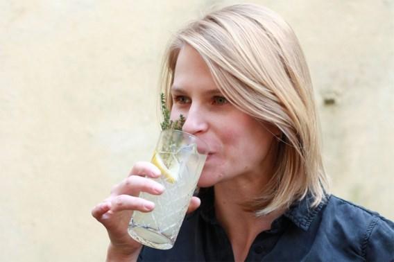 Jonge bio-ingenieur ontwikkelt eerste Belgische alcoholvrije gin