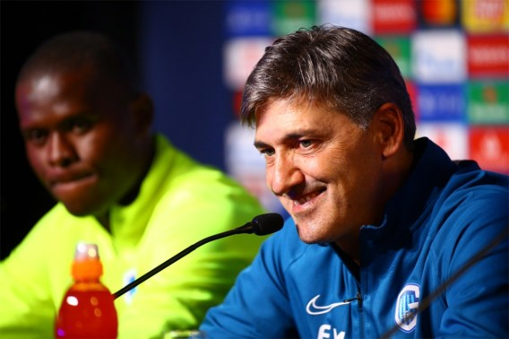 """Genk-trainer Felice Mazzu overweegt zich aan te passen aan Liverpool: """"ManU deed het uitstekend met 5 achterin"""""""
