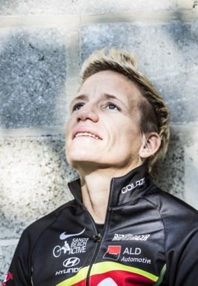 De laatste race van Marieke Vervoort, met een glas cava in de hand