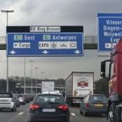 Gekantelde vrachtwagen Brusselse Ring: rijbaan vrijgemaakt
