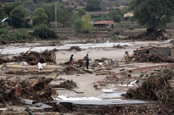 Een dode en vijf vermisten, onder wie Belgische trucker, bij overstromingen in Catalonië